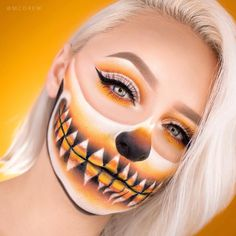 Teint Idole Ultra Long Wear Foundation used Teint Idole as her foundation base for her Candy Corn Skull look! Teint Idole Ultra Long Wear Foundation used Teint Idole as her foundation base for her Candy Corn Skull look! Amazing Halloween Makeup, Halloween Eyes, Halloween Makeup Looks, Halloween Art, Halloween Costumes, Halloween 2018, Halloween Queen, Halloween Inspo, Makeup Fx