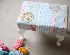 Prettification! Recovering a footrest, inspiration!