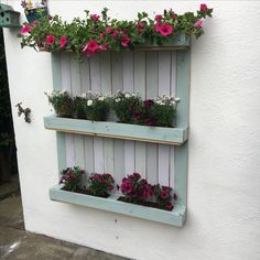 I used old tester paint pots to this pallet Paint Pots, Upcycle, Floral Wreath, Wreaths, Painting, Outdoor, Home Decor, Garden, Container Plants