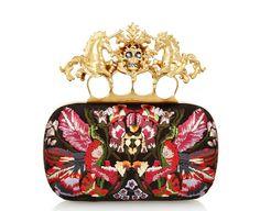 Minaudière Alexander McQueen http://www.vogue.fr/mode/shopping/diaporama/tresors-baroques/9500/image/568584#8