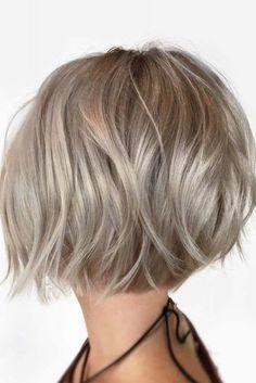 Blunt Bob Haircuts, Stacked Bob Hairstyles, Short Curly Haircuts, Bob Hairstyles For Fine Hair, Hairstyles Haircuts, Haircut Short, Pretty Hairstyles, Page Haircut, Haircut Style