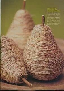 Twine wrapped old light bulbs. Pear decor for Christmas