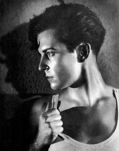 Ramon Novarro, 1928, photo by George Hurrell