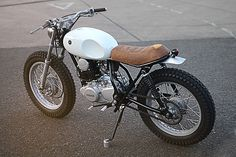 Auto Fabrica Type Yamaha can find Vehicles and more on our website. Tw Yamaha, Yamaha Motorcycles, Custom Motorcycles, Custom Bikes, Cars And Motorcycles, Tracker Motorcycle, Scrambler Motorcycle, Motorcycle Style, Motorcycle Design