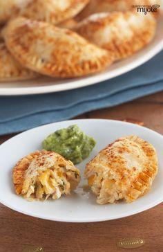 Empanadas au poulet et au fromage - Poulet-pochettes maison ! #recette
