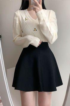 Korean Skirt Outfits, Cute Skirt Outfits, Korean Fashion Dress, Korean Street Fashion, Kpop Fashion Outfits, Girls Fashion Clothes, Girly Outfits, Cute Casual Outfits, Cute Fashion