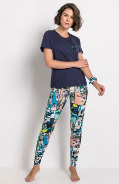 Garotas Geeks | Batman e The Flash viram tema de coleção de pijamas da Warner e Acuo Shorts, Geek Stuff, Pajama Pants, Batman, The Flash, Geeks, Dc Comics, Outfits, Products