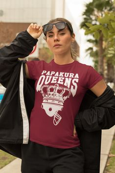 Queens Classic T Shirt American Football, Queens, Classic T Shirts, Sleeves, Cotton, How To Wear, Collection, Tops, Women