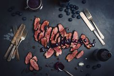 These barbecued duck breast with blueberry sauce are so good! I have the chance to develop recipes awesome products, like the new Éphémère Blueberry beer Barbecue, Bbq Grill, Grill Pan, Grilling, Blueberry Sauce, Smoked Cheese, Xmas Food, Smoking Meat, Products