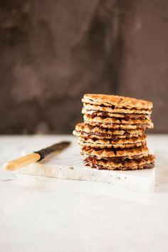 Waffle Iron Caramel Stroopwafels - by mbakes. Caramel Recipes, Waffle Recipes, Baking Recipes, Cookie Recipes, Yummy Treats, Sweet Treats, Yummy Food, Sandwiches, Crepes