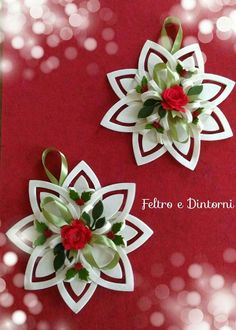 Decoro natalizio Paper Christmas Ornaments, Merry Christmas To All, Christmas Crafts For Kids, Felt Ornaments, Christmas Decorations To Make, Christmas Projects, Christmas Sewing, Christmas Fabric, Felt Christmas