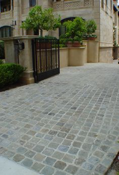Antique Sandstone Cobblestone pavers for driveway. - Antique Sandstone Cobblestone pavers for driveway. Authentic reclaimed antique granite or - Driveway Tiles, Driveway Fence, Driveway Design, Patio Tiles, Driveway Landscaping, Landscaping Ideas, Patio Pavé, Backyard, Stone Patio Designs