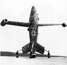 Original caption: The Focke-Wulf Triebflügeljäger, an experimental German vertical take-off and landing aircraft propelled by a three-bladed jet-powered rotor.
