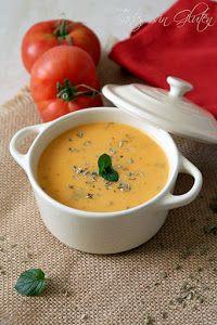 Para las cenas de los días más fríos nada como una crema calentita como esta de tomate del blog TARTAS SIN GLUTEN.