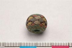 Viking age glass bead found on Gotland (Photographer: Bertha Amaya, 2006-12-19, SHMM Copyright: SHMM, Creative Commons-licens )