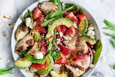 After the holiday season, we could all use some more clean-eating salads in our life. Try out these healthy, filling salad recipes and start the year off right. Salad Recipes For Dinner, Dinner Salads, Healthy Salad Recipes, Lunch Recipes, Healthy Dinners, Tuna Salad Ingredients, Clean Eating Salads, Spinach Stuffed Chicken, Chicken Salad
