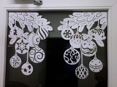 Frugal Christmas, Christmas Art, Christmas Ornaments, Fun Crafts, Diy And Crafts, Arts And Crafts, Paper Crafts, Christmas Ornament Template, Christmas Window Decorations