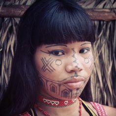 Karajá girl   photo by Mariana Maia http://openheartfreespirit.tumblr.com