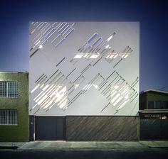 Zurita Box / Darkitectura