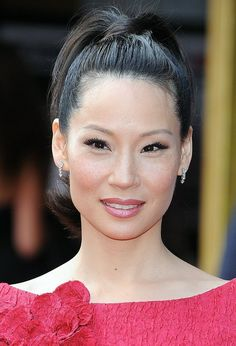 Lucy Liu is an American actress, model and artist. We best known for playing the role of the vicious and ill-mannered Ling Woo in the television series Ally McBeal. Lucy Liu, Beautiful Asian Women, Beautiful People, I Love Lucy, Beautiful Actresses, Asian Woman, Pretty Woman, Pretty In Pink, Asian Beauty