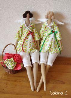 Tilda dolls:  I don't like cutesy but I love these zaftig little dolls.  Designed by Tone Finnanger.