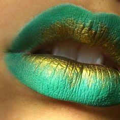 Found on Twitter via @toni_bradbury23 - the gold is Liquid Gold pigment by Makeup Geek