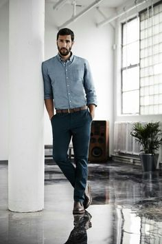 Smart Casual Look - What should be considered in the dress code? Dresscode Business, Trajes Business Casual, Summer Business Attire, Business Casual For Men, Business Men, Business Outfits, Men's Business Fashion, Casual Dresscode, Business Cards