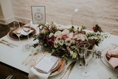 District Bliss couples social event- Photo by lauren louise photography | A new spin on your traditional wedding expo! Floral inspiration! Wedding inspiration! Wedding ideas! Tablescape envy!