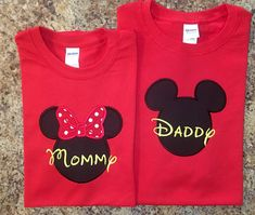 PAQUETE FAMILIAR 2 camisas Mickey Mouse por IrresistiblEmbroider