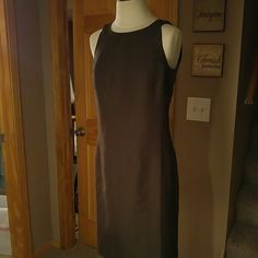 Ann Taylor Dress NWT Size 6 Brown Ann Taylor dress with darker brown leopard print. Slit up the back and zipper up the back. Ann Taylor Dresses