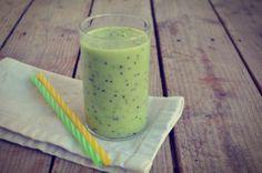Κiwi detox smoothie Detox Recipes, Glass Of Milk, Cantaloupe, Smoothies, Paleo, Ice Cream, Fruit, Drinks, Ethnic Recipes