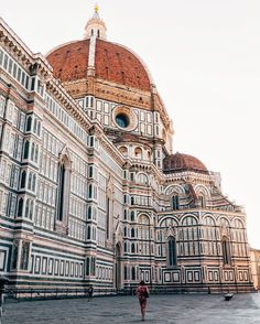 Morning walk around the Cathedral of Santa Maria Del Fiore, Firenze  // photo by VuTheara Kham