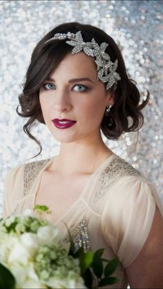 15 chic wedding hair updos for elegant brides. Wedding hairstyles for long hair. wedding hairstyles for short hair. Bob Wedding Hairstyles, Wedding Hairstyles Half Up Half Down, Side Hairstyles, Vintage Hairstyles, Headband Hairstyles, Latest Hairstyles, Great Gatsby Hairstyles, Beach Hairstyles, Hairstyles 2016
