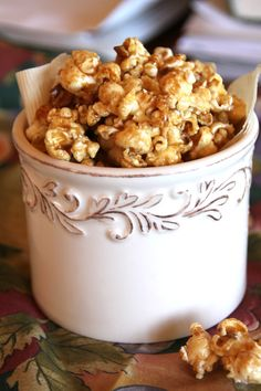 Salted Maple Honey Caramel Corn with Toasted Pecans - Vegan. Boil the maple sugar mixture for min. This tastes excellent with the added salt. Fall Recipes, Snack Recipes, Dessert Recipes, Carmel Corn, Honey Caramel, Vegan Caramel, Gluten Free Sweets, Toasted Pecans, Vegan Snacks