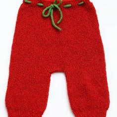 #babybukser opskrift i #vendestrikbukser #forlagetvingefang #hannemeedom #nissebukser #nisse #vendestrik