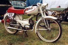 Peugeot BB 50 sport 1960 Vintage Motorcycles, Cars And Motorcycles, Scooters, Gottlieb Daimler, Peugeot France, Moto Scooter, Motorcycle Manufacturers, Harley Davidson Bikes, Sport
