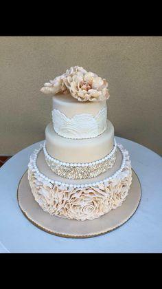 Tort Nuntă Bling Wedding, Wedding Cakes, Desserts, Food, Postres, Deserts, Cake Wedding, Hoods, Meals