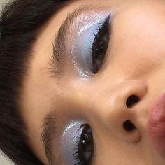 powder blue eyeshadow with a gloss coat Makeup Goals, Makeup Inspo, Makeup Art, Makeup Inspiration, Beauty Makeup, Hair Beauty, Cute Makeup, Pretty Makeup, Blue Eyeshadow