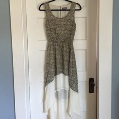 """SIB small printed high/low dress EUC SIB printed high/low dress, size small.  100% polyester. Scoop neck, sleeveless, 40"""" from top to bottom of front hem, 58"""" from top to bottom of back hem. Please ask for more pictures. Dresses High Low"""