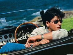 Do you want to see Shahrukh Khan images? Here are shown Shahrukh Khan images. Bollywood Stars, Bollywood Photos, Bollywood Celebrities, Bollywood News, Bollywood Actress, Bollywood Makeup, Vintage Bollywood, Male Celebrities, Bollywood Fashion