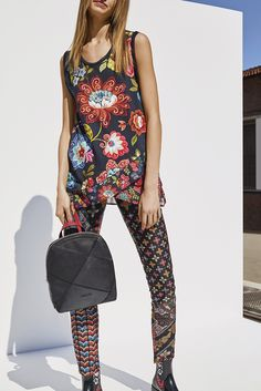 Matching these Desigual colorful skinny pants with this Desigual floral top  and complete your outfit adding this Desigual reversible bag pack! 788d330a656c