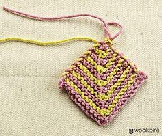 Vivian Høxbro: Domino-Firkanter Crochet Baby Dress Pattern, Baby Dress Patterns, Knitting Patterns, Crochet Patterns, Newborn Crochet, Knit Picks, Baby Grows, Crochet Hooks, Crochet Bikini