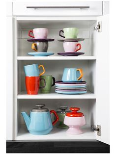 POP servies in retro kleuren.