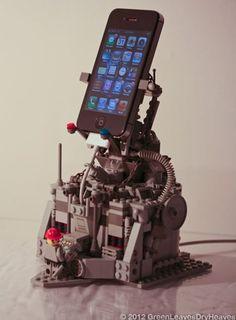 LEGO http://9gag.com/gag/a75NV3A