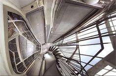 Google Image Result for http://www.linternaute.com/photo_numerique/retouche-photo/photo/jo-l-avatar-monde-numeriquement-modifie/image/cage-d-escalier-239634.jpg