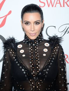 Pin for Later: Stop and Stare at Every Haute Beauty Look From the CFDA Awards Kim Kardashian