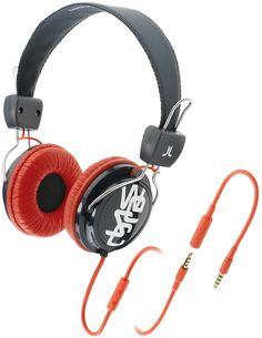Cuffie per musica con prolunga per allungare il cavo e microfono per rispondere al telefono.  Driver di potenza 40 mm Sensibilità 1kHz: 120 dB Impedance: 32 Ohms Gamma difrequenza: 20-20 001 Hz Plug: gold-plated 3,5mm stereo Cavo: 0,5m + 1,0m extension + 0,1m adaptor, PVC Peso: 147g.    Prezzo: 49.00€    SHOP ONLINE: http://www.aw-lab.com/shop/accessori/cuffie/wesc-conga-premium-headphones-9909051