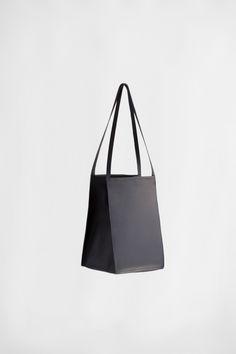 Square Bucket | CHIYOME - Minimalist Handbags