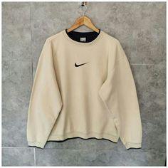 Casual School Outfits, Cute Lazy Outfits, Retro Outfits, Trendy Outfits, Vintage Outfits, Trendy Hoodies, Cute Sweatshirts, Nike Pullover, Vintage Nike Sweatshirt