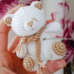 Белый медвежонок крючком Love Crochet, Crochet Toys, Crochet Baby, Amigurumi Patterns, Crochet Patterns, Plush Pattern, Bear Toy, Sewing Crafts, Projects To Try